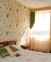 шторы для спальни на небольшое окно