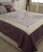 покрывало для спальни в фиолетово-молочной цветовой гамме одеяльного типа