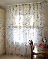 фото штор для кухни с римской шторой