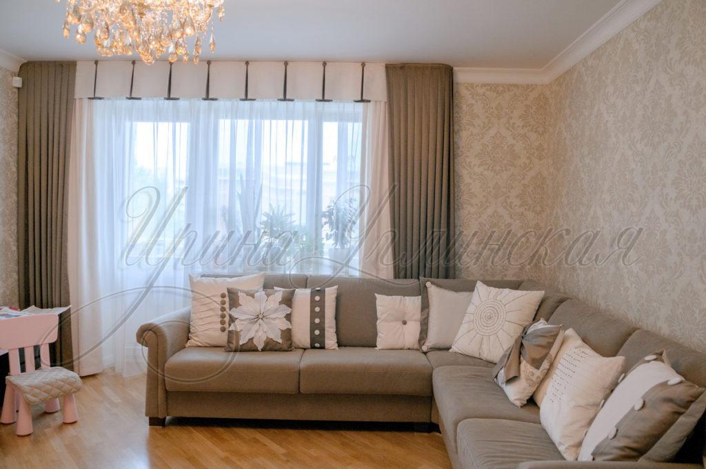 фотография штор для гостиной в мягкой цветовой гамме