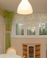 асимметричные шторы в кухню