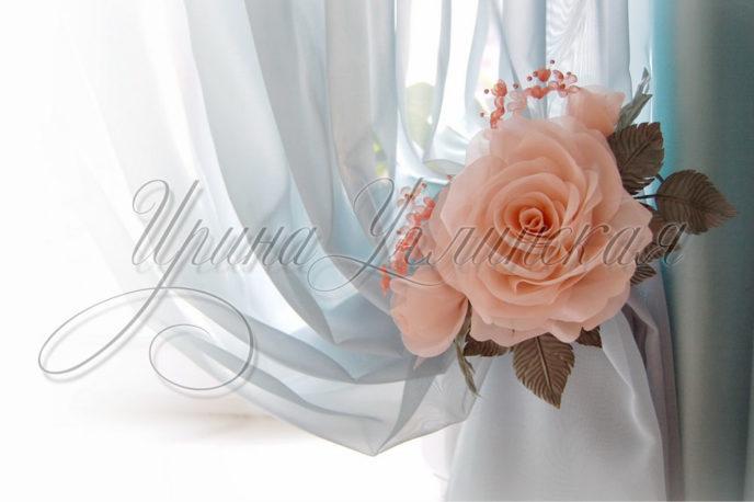 подхваты для штор с цветами из ткани